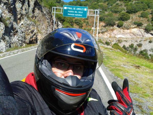 Selfie en medio de la carretera xD