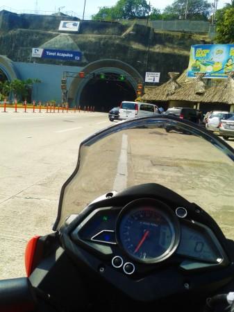 Llegando al Destino / Maxitunel de Acapulco