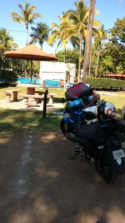 """""""Parqueando"""" la moto en la Alberca"""